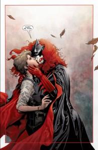BatwomanKiss